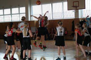 """Šiaulių krepšinio akademijos """"Saulė"""" mergaičių (2004 m. g.) komandos pergalė"""