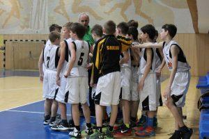 """KA """"Saulė"""" berniukų (2003 m. g.) krepšinio komanda užsitikrino vietą I-ame divizione."""
