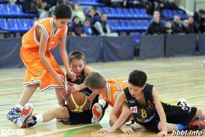 2004 m. g. berniukų komanda  2015 m. metus baigė pergalingai BBBL U12