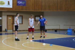 Krepšinio akademijoje vyksta vasaros sporto stovykla